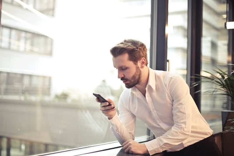 7 Consejos para Ligar en Línea [Encuentra tu Media Naranja sin Dramas]