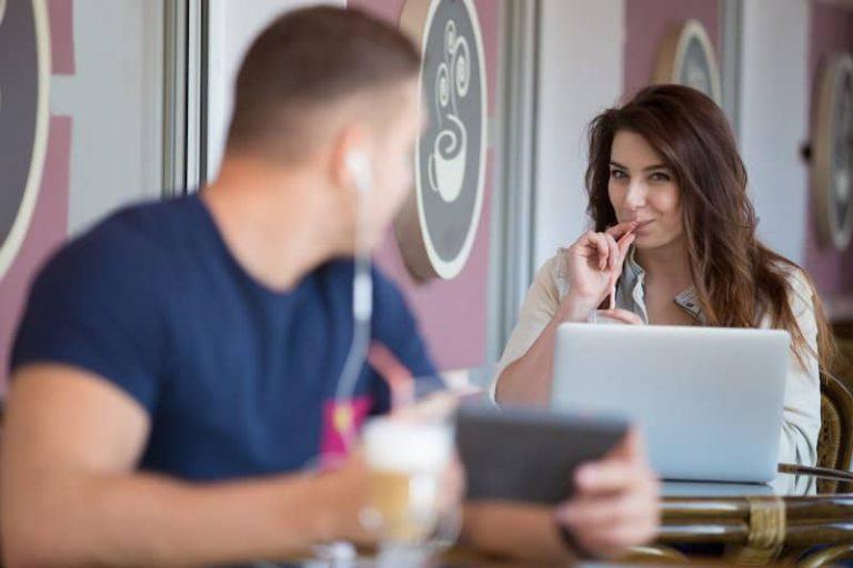 5 Tips para Aprender Cómo Ligar con una Chica