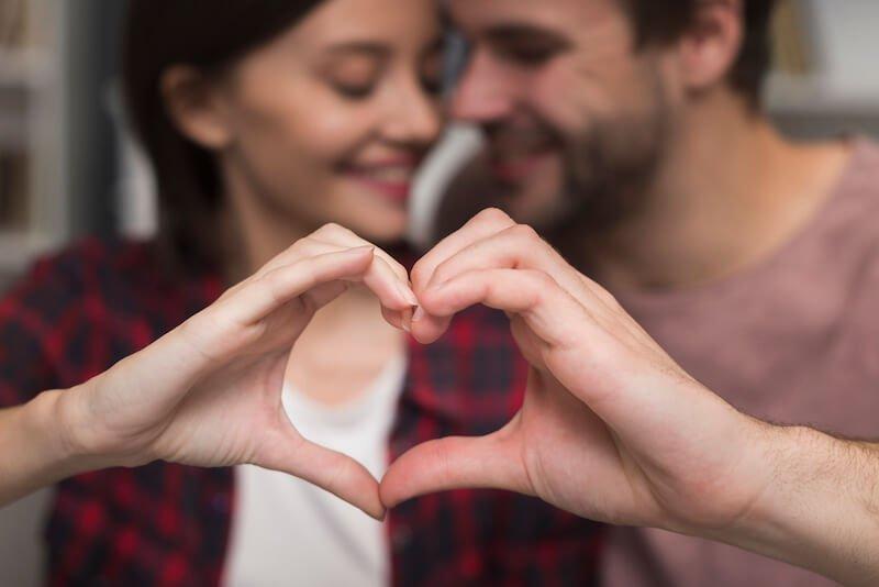 amor entre pareja de catolicos